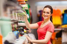 Devenir employé commercial en grande surface